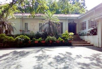 Casa en venta en Los Balsos con Jardín...