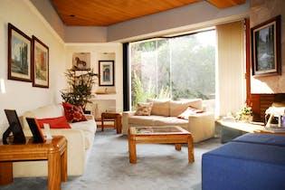 Casa en venta en Colinas del Bosque de tres recamaras