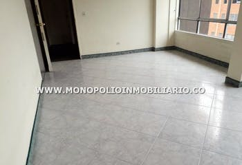 Apartamento en Loma del Indio, Poblado - 96mt, tres alcobas, balcón