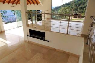 Casa En Venta En Envigado Las Palmas con 4 habitaciones