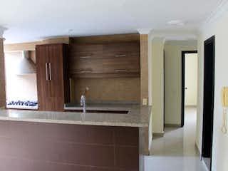 Un cuarto de baño con lavabo y un espejo en Apartamento En Venta En Medellin Poblado - Santa Maria De Los Angeles