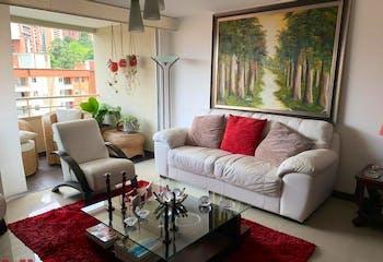 Apartamento en El Esmeraldal, Envigado - 94mt, tres alcobas, balcon