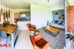 Apartamento en La Estrella, Toledo - 74mt, tres alcobas, balcon