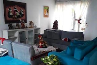 Casa en venta en Universidad Medellin de tres habitaciones
