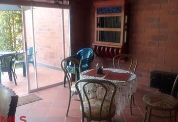 Casa Campestre en El Carmen de Viboral, Villas de San Nicolas, 4 Habitaciones- 120m2,.