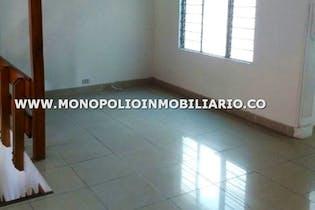 Casa Bifamiliar en Lorena-Laureles, 210 mts2-6 Habitaciones, Terraza