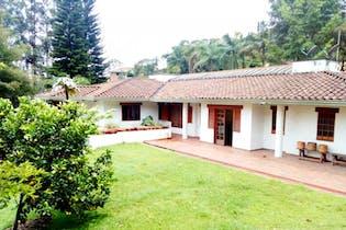 Casa en venta en San Lucas de 4 hab. con Solarium...