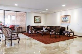 Apartamento en La Tomatera, Poblado - 231mt, tres alcobas, dos balcones