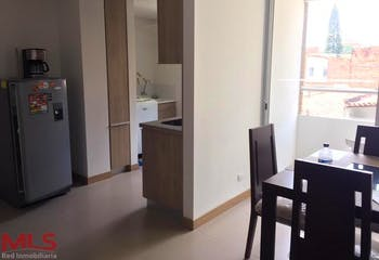 Apartamento de 76,5m2 en Simón Bolivar, La America - con tres habitaciones