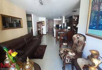 Apartamento en Loma del Indio, Poblado - 75mt, tres alcobas, balcon
