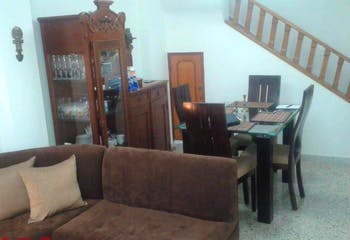 Apartamento en Calasanz, La America - 120mt, tres alcobas, balcon