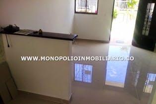 Casa en Pajarito, Robledo - 65mt, dos niveles, tres alcobas