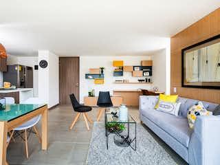Una sala de estar llena de muebles y una mesa en Zanetti