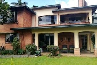 Casa en Sabaneta, La Doctora con 3 habitaciones y 2 niveles - 307 mt2.
