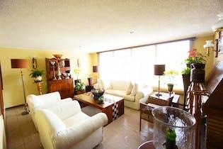Casa En San Martin, Barrios Unidos, 3 Habitaciones- 224,1m2.
