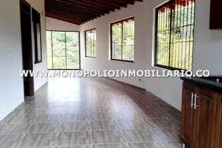 Casa Bifamiliar en Media Luna, Santa Helena, 3 Habitaciones- 73m2.