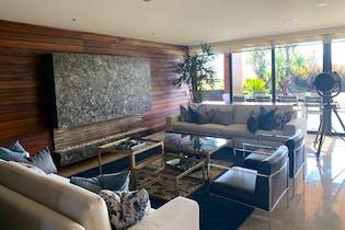 Casa ubicada en Club De Golf Residencial de 750mts, dos niveles