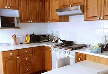 Departamento en venta Bosques de las Lomas, cuenta con 3 recamaras con baño y closet.