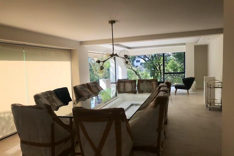 Portada Casa en venta en Bosques de las Lomas, Miguel Hidalgo, remodelada.