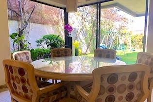 Casa en venta en Bosques de las Lomas, Miguel Hidalgo, con jardín.