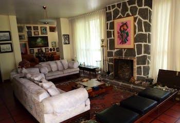 Casa en venta en las Lomas de Chapultepec, 285 m2, con jardín frontal y lateral.