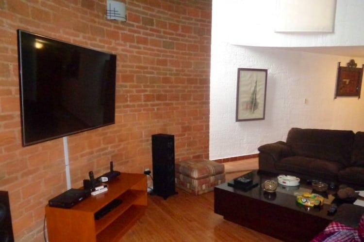 Portada Casa en Venta en Cuajimalpa, 310 m2, con jardín