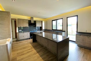 Casa en venta en Club De Golf Residencial, de 800mtrs2