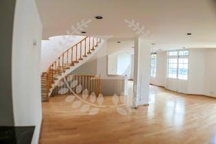 Casa en venta en Jardines en la Montaña de 580 mt2. dos niveles