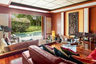 Casa en venta en Bosque de las Lomas de 775 mt2. con 2 niveles.