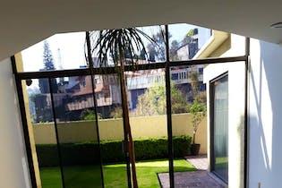 Casa en venta en Bosques de las Lomas de 444 mt2.  con 2 niveles.