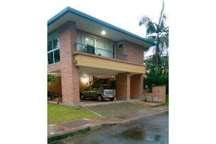 Casa en venta en Suramérica de 3 habitaciones