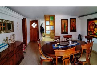 Casa en la Loma de Los Bernal, Con 4 habitaciones-150mt2
