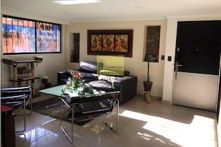 Apartamento en El Estadio-Los Colores, con 4 Alcobas - 157 mt2.
