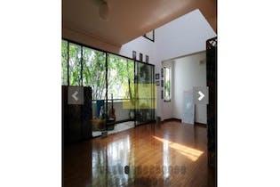 Apartamento en El Poblado-La Aguacatala, con 4 Alcobas - 234 mt2.