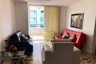 Apartamento en Carlos E. Restrepo, Estadio - 123mt, tres alcobas, balcon