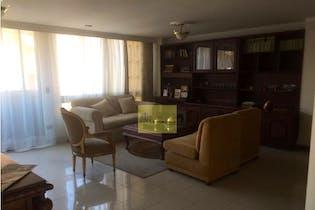 Apartamento en Las Acacias, Laureles - 126mt, tres alcobas, balcon