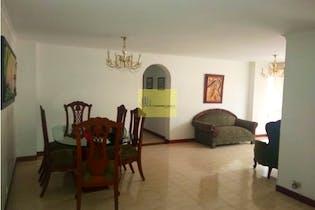 Apartamento en Lorena, Laureles - 123mt, cuatro alcobas, balcon