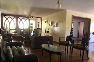 Apartamento en Santa Maria de los Angeles, Poblado - 209mt, cuatro alcobas, balcon