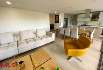 Apartamento en Castropol, Poblado - 160mt, tres alcobas, balcon