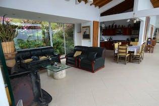 Casa en El Salado, Envigado - 350mt, tres alcobas, jacuzzi