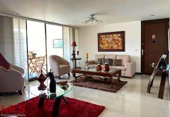 Apartamento en Santa Maria de los Angeles, Poblado - 167mt, tres alcobas, balcon
