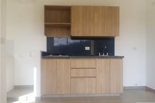 Apartamento en Aves Maria, Sabaneta - 56mt, tres alcobas, balcon