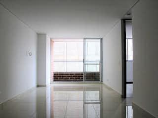 Una vista de una habitación con una puerta corredera de cristal en 77 Towers