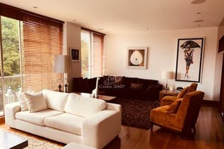Apartamento en Chico Navarra, Santa Barbara - 238mt, tres alcobas, balcon