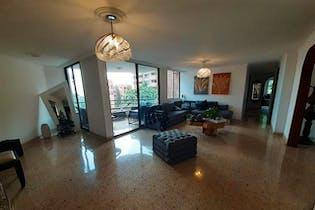Apartamento en Loma del Indio, Poblado - 199mt, cuatro alcobas, balcon