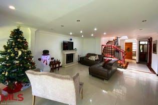 Casa en Loma del Chocho, Envigado - 285mt, cuatro alcobas, terraza