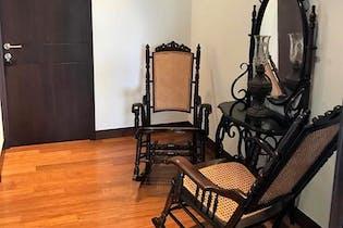Apartamento En Venta En Medellin El Poblado cuenta con 4 habitaciones