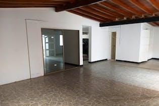 Casa en La Castellana, Laureles - Cinco alcobas