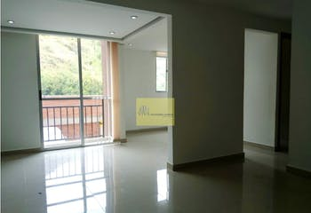 Apartamento en Calasania, La America - 55mt, dos alcobas, balcon