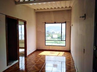 Una habitación que tiene una ventana en ella en Conjunto Portal de madelena